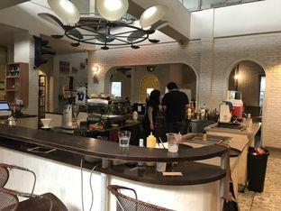 Foto 11 - Interior di Trafique Coffee oleh FebTasty  (Feb & Mora)