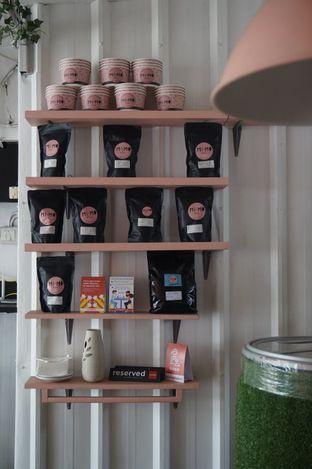 Foto 7 - Interior di Mimo Cooks & Coffee oleh yudistira ishak abrar