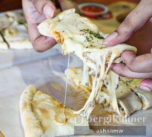 Foto 1 - Makanan di Master Cheese Pizza oleh Asharee Widodo