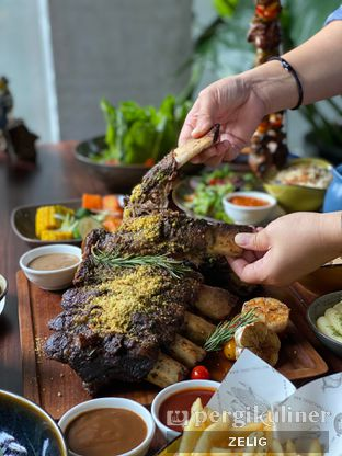 Foto 8 - Makanan(Australuan Back Ribs) di Cutt & Grill oleh @teddyzelig