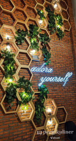 Foto review Adora Lezat oleh Velvel  5
