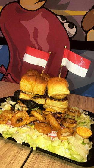 Foto review Smack Burger oleh GetUp TV 1
