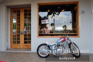 Foto 15 - Eksterior di Daily Press Coffee oleh Ladyonaf @placetogoandeat
