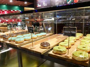Foto 6 - Makanan di Krispy Kreme Cafe oleh Prido ZH