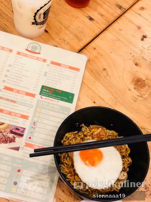 Foto 8 - Makanan(Indomie Goreng Telur Asin (add on Telor)) di Ropang Plus Plus oleh Sienna Paramitha