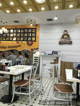 Foto 5 - Interior di Chop Buntut Cak Yo oleh Putri Augustin