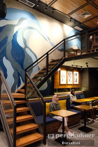 Foto 8 - Interior di Blue Lane Coffee oleh Darsehsri Handayani