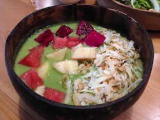 Foto 3 - Makanan(Green Fruit Bowl) di Greens and Beans oleh awakmutukangmakan