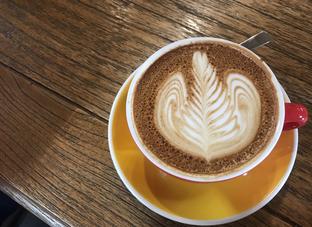 Foto review Six Ounces Coffee oleh Irma  7