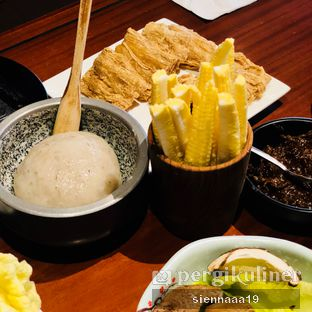 Foto 5 - Makanan(prawn yam; fried gluten) di Eight Treasures oleh Sienna Paramitha