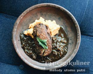 Foto 12 - Makanan(Roasted Pork Knuckle) di Social House oleh Melody Utomo Putri