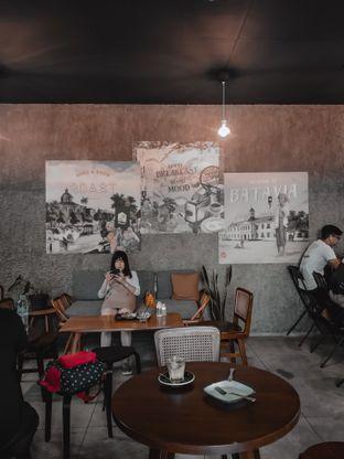 Foto 2 - Interior di Roast Coffee oleh deasy foodie