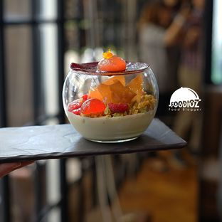 Foto 1 - Makanan di Cassis oleh IG: FOODIOZ