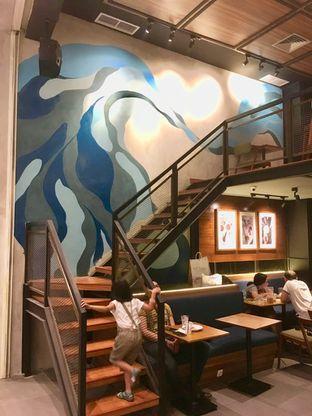 Foto 5 - Interior di Blue Lane Coffee oleh Prido ZH