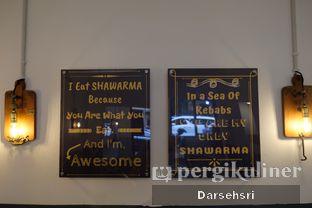 Foto 6 - Interior di Emado's Shawarma oleh Darsehsri Handayani