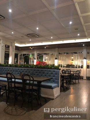 Foto 3 - Interior di Willie Brothers Steak and Cheese oleh Francine Alexandra