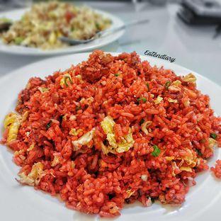 Foto - Makanan(nasi goreng merah) di RM Irtim Makassar oleh @eatendiary