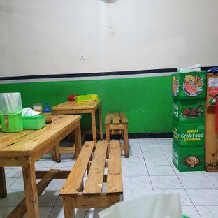 Foto 3 - Interior di Ayam Penyet Jeletot Bonsar oleh Adhy Musaad