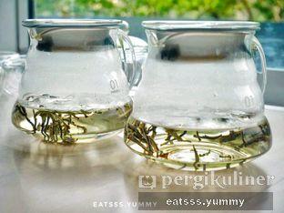 Foto 18 - Makanan(Silver Needle Tea) di Chatelier oleh Yummy Eats