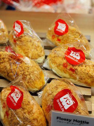 Foto 1 - Makanan di BreadLife oleh Indra Mulia