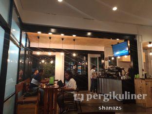 Foto 2 - Interior di Pikul Coffee & Roastery oleh Shanaz  Safira