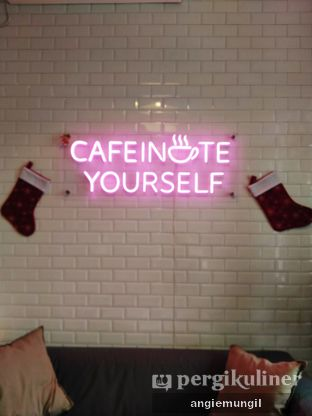 Foto 6 - Interior di Ilo Coffee oleh Angie  Katarina