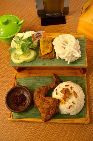 Foto 1 - Makanan di Ayam Baper oleh Couple Fun Trip & Culinary