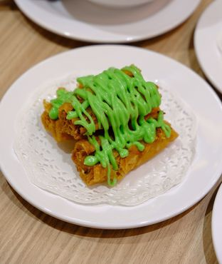 Foto 6 - Makanan(cakwe goreng seafood) di Yum Cha Hauz oleh IG : Heyyunita