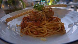 Foto 1 - Makanan(Spaghetti Meatballs) di Orofi Cafe oleh jkthungry