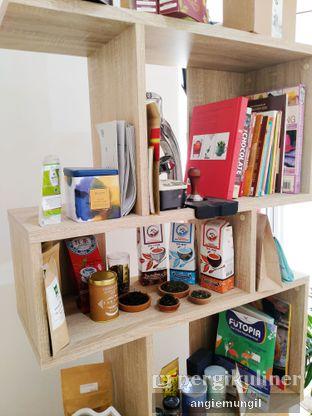 Foto 9 - Interior di Those Between Tea & Coffee oleh Angie  Katarina