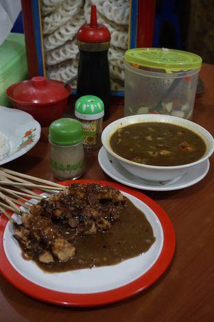 Foto 7 - Makanan di Warung Sate Tongseng Pak Naryo Solo oleh yudistira ishak abrar