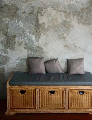 Foto 13 - Interior di Hidden Haus Coffee & Tea oleh yudistira ishak abrar