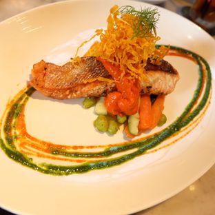 Foto 4 - Makanan(Seared Salmon with Romesco) di Bottega Ristorante oleh Aldo Rompas