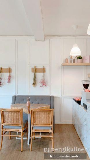 Foto 4 - Interior di Dolls Bakeshop oleh Francine Alexandra