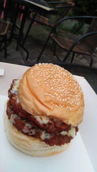 Foto 6 - Makanan di Biang Burger oleh Review Dika & Opik (@go2dika)