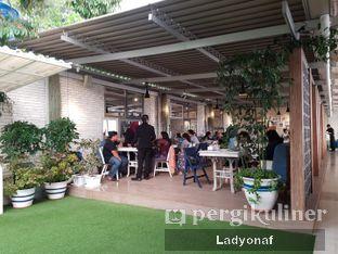 Foto 2 - Interior di Orofi Cafe oleh Ladyonaf @placetogoandeat
