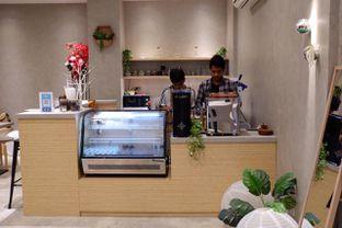 Foto 5 - Interior di Gili Coffee & Eatery oleh yudistira ishak abrar