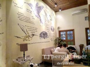Foto 6 - Interior di Hummingbird Eatery oleh Desy Mustika