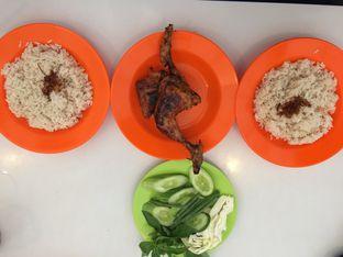 Foto 1 - Makanan di Nasi Uduk Pak Jhon oleh Aghni Ulma Saudi