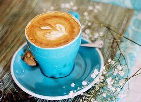 7 Coffee Shop di PIK Dengan Pilihan Menu Kopi Terbaik