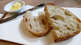 Foto 3 - Makanan(complementary bread) di Eric Kayser Artisan Boulanger oleh maysfood journal.blogspot.com Maygreen