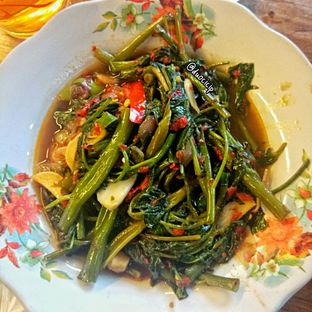 Foto 1 - Makanan(Cah Kangkung Terasi) di Kluwih oleh felita [@duocicip]