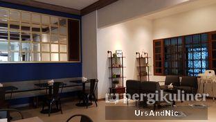 Foto 9 - Interior di Kafe Lumpia Semarang oleh UrsAndNic