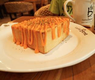 Foto 4 - Makanan(Garlic & Cheese Bread) di Caffe Bene oleh Nurul Amalina
