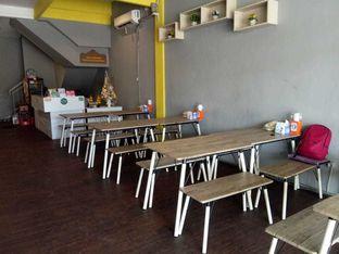 Foto 8 - Interior di Ayam Betutu Khas Gilimanuk oleh duocicip