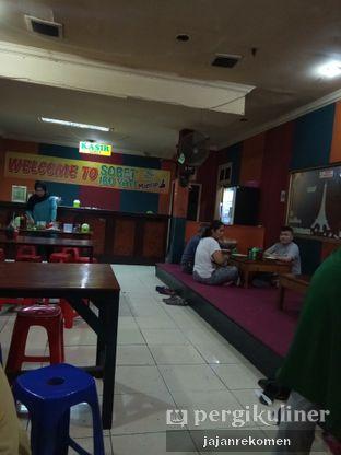 Foto 8 - Interior di Sop Soto Betawi Ibu Yati oleh Jajan Rekomen