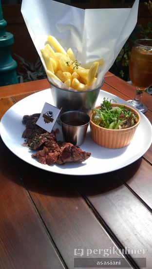 Foto review Dandy's Steak and Coffee House oleh Asasiani Senny 3