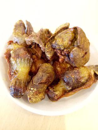 Foto 2 - Makanan di Pak Qomar - Bebek & Ayam Goreng oleh @duorakuss