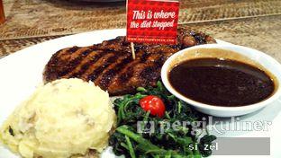 Foto - Makanan di Steak Hotel by Holycow! oleh Zelda Lupsita