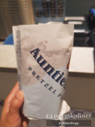 Foto 5 - Makanan di Auntie Anne's oleh EATIMOLOGY Rafika & Alfin